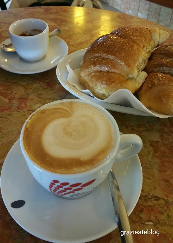 Cafe da manha na Italia