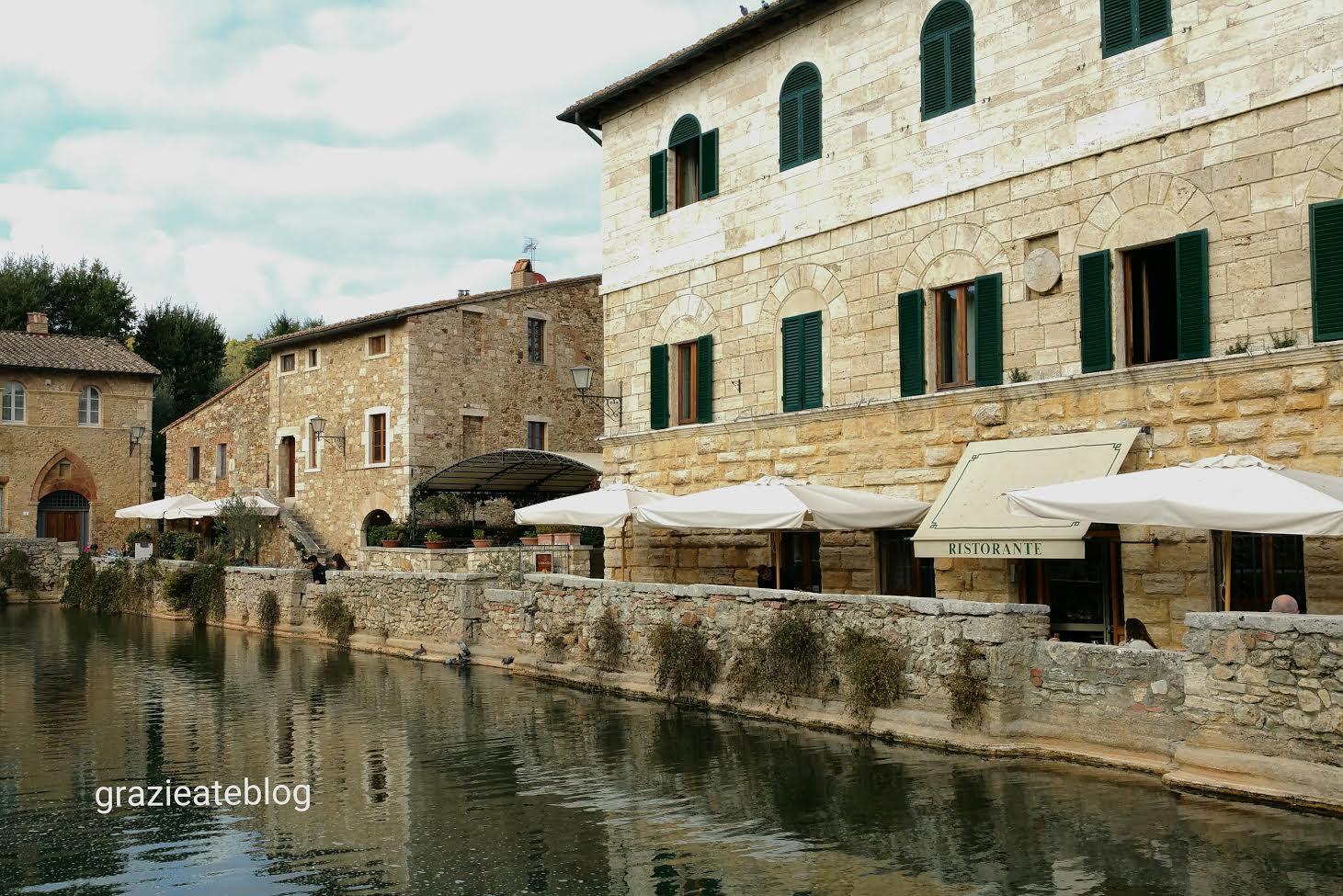 Grazie a te o burgo de bagno vignoni famoso por suas termas - Piscina bagno vignoni ...